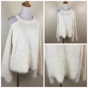 NWT 1.STATE Dramatic Pause Cut Out Fringe Sweater
